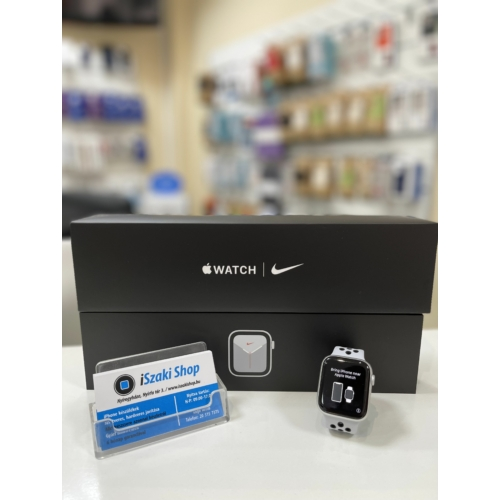 Apple Watch Series 5 44MM Ezüst NIKE+